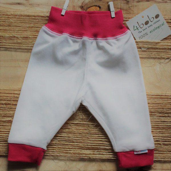Wit broekje van organisch katoen met roze boordjes